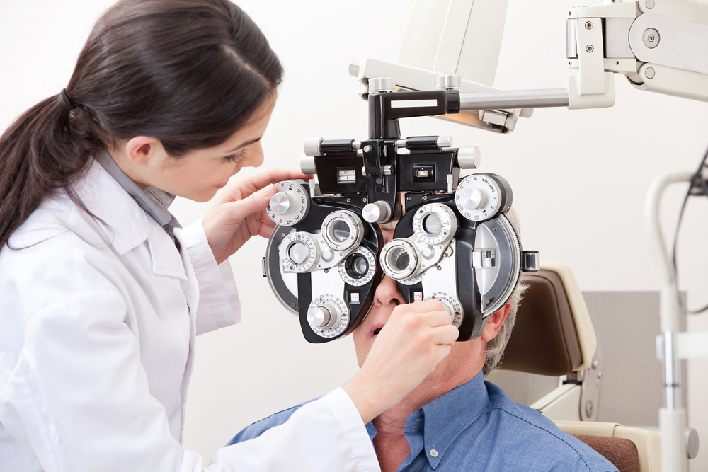 older male patient during eye exam to test for cataracts